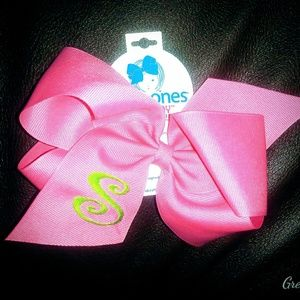 👧NWT! Monogrammed Initial Cheer Bow by Wee Ones💝